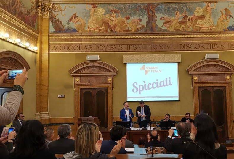 Il Ministro Centinaio alla conferenza stampa di Spìcciati